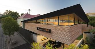 Australia: Casa Mullet, Melbourne - March Studio