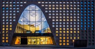Finlandia: Biblioteca Central de la Universidad de Helsinki - Anttinen Oiva Arkkitehdit Oy