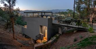 Estados Unidos: 'Car Park House', Los Angeles - Anonymous Architects