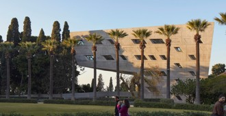 Líbano: Issam Fares Institute, American University of Beirut - Zaha Hadid