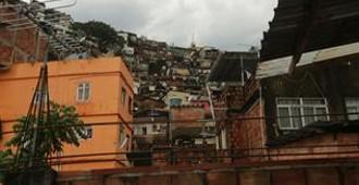 Documental 'Rebel Architecture': El 'pedreiro' y el 'master planner' (Brasil)