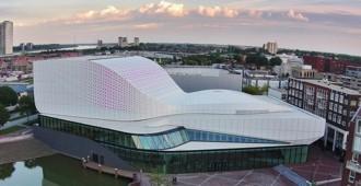 Holanda: 'Theater de Stoep', Spijkenisse - UNStudio