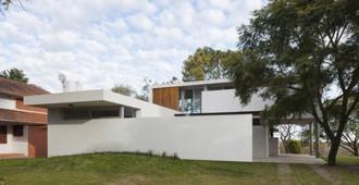 Argentina: Casa Lottersberger, Santa Fe - Irigoyen / Navarro arquitectos
