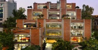 India: Oficinas para la firma Triburg - SPA Design