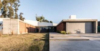 Argentina: Casa U, Córboba - Eleonora Aquilante, Ariel Busch Arquitectos