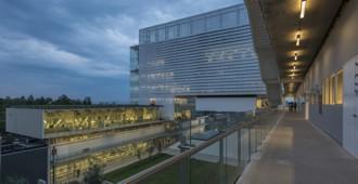 Ciudad de México: Nuevo campus universitario de CENTRO - Enrique Norten
