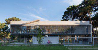 Argentina: Casa Alamos, Pinamar - Estudio Galera Arquitectura