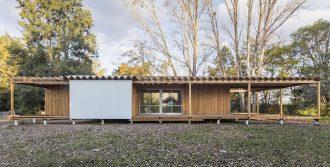 Argentina: Casa de Madera, Buenos Aires - Estudio Borrachia