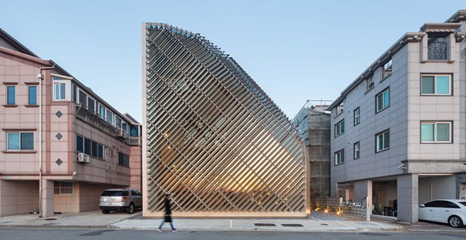 Corea del sur 39 louverwall house 39 pajul and for Noticias de arquitectura recientes