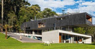 Brasil: Casa en São Bento do Sapucaí - Una Arquitetos