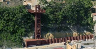 España: Ascensor público en Sallent, Barcelona - Santamaria Arquitectes