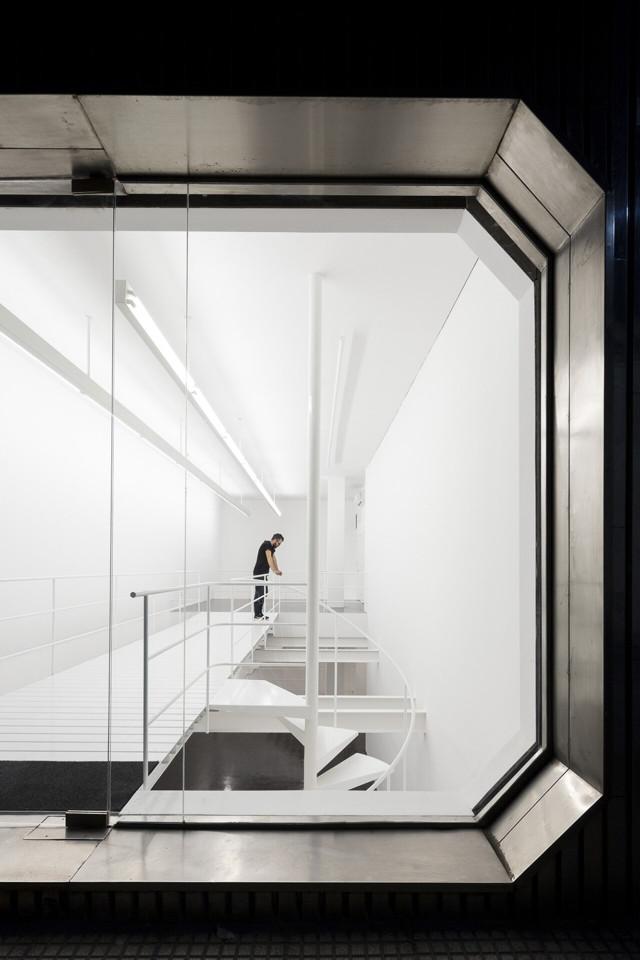 Argentina: Walden Gallery, Buenos Aires - Arq. Esteban Tannenbaum