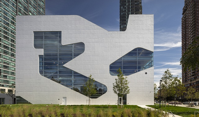 Estados Unidos: Hunters Point Library - Steven Holl Architects