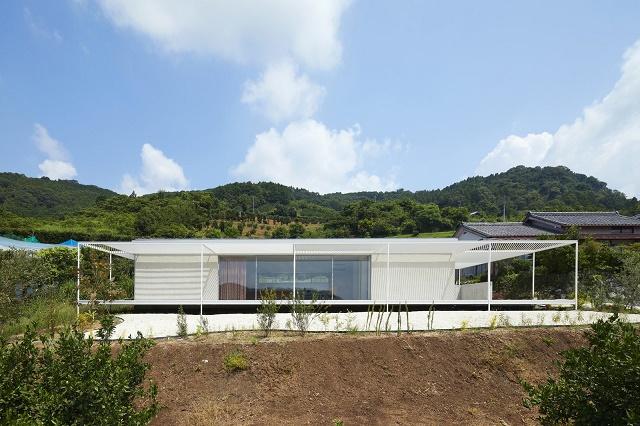 Japón: Casa en Shiraiwa - 2id Architects