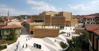 Turquía: Museo de Arte Moderno Odunpazari - Kengo Kuma & Associates