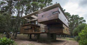 Argentina: Cabañas en Bosques de Mar Azul  - Estudio Nómade