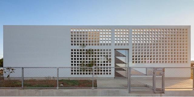 Grecia: Una casa con cuatro jardines - draftworks*architects