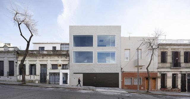 Uruguay: Oficinas en calle Isla de Flores - Pedro Livni