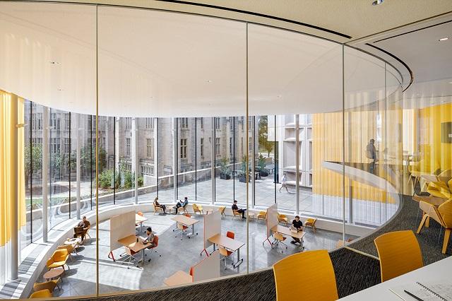 Estados Unidos: Centro de Pensamiento Innovador de la Universidad de Yale - Weiss / Manfredi