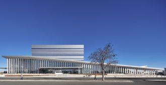 Estados Unidos: Salón de Artes Escénicas y Ciencias Buddy Holly - Diamond Schmitt Architects