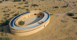 India: Escuela de niñas Rajkumari Ratnavati - Diana Kellogg Architects