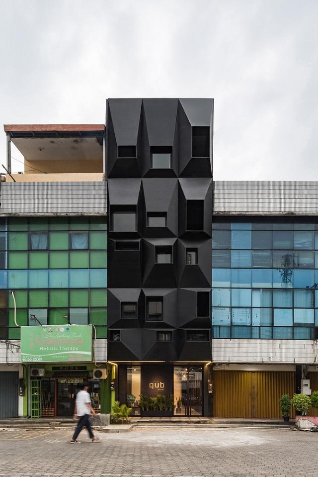 Indonesia: Hotel QUB - Tamara Wibowo Architects
