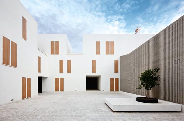 España: 19 Viviendas Sociales en Sa Pobla, Mallorca - RipollTizon Estudio de Arquitectura