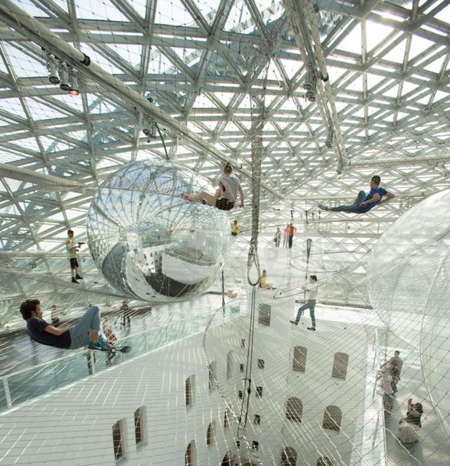 Alemania: Tomás Saraceno - in orbit, en el Kunstsammlung Nordrhein-Westfalen, Dusseldorf