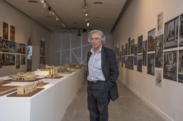 Imágenes de la exhibición Miguel Ángel Roca, Retrospectiva en el Centro Cultural Recoleta, Buenos Aires