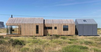 Inglaterra: 'Pobble House', Dungeness - Guy Hollaway Architects