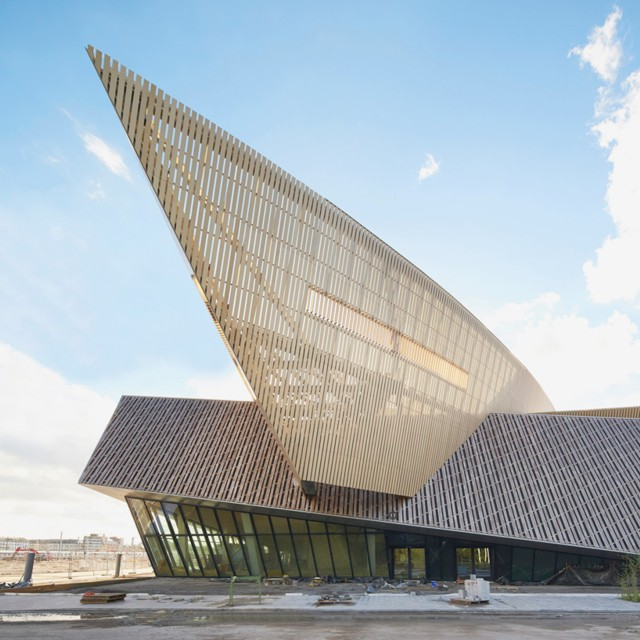 Bélgica: Centro de Convenciones en Mons - Daniel Libeskind... imágenes de las obras
