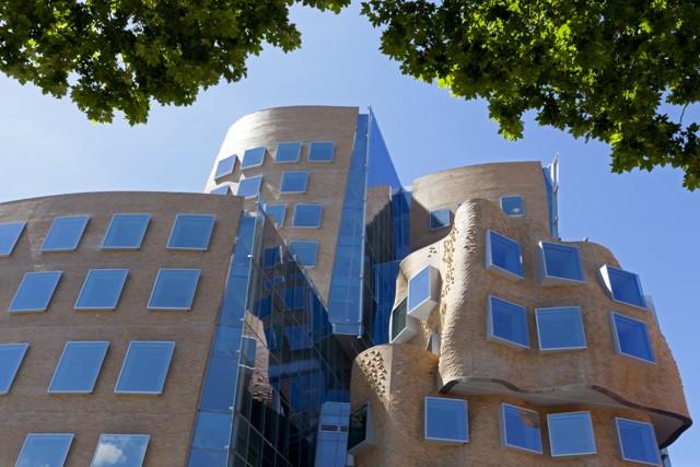 Australia: UTS Business School, Sydney - Frank Gehry