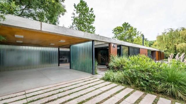 Argentina: Casa Lineal - Roberto Benito Arquitecto