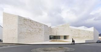 Francia: Cour et Jardin, Vertou, Nantes - Atelier Fernandez & Serres