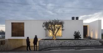 Portugal: Casal dos Claros, Leiria - Contaminar Arquitectos