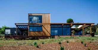 Australia: 'Bonnet Hill House', Tasmania - Dock4 Architects
