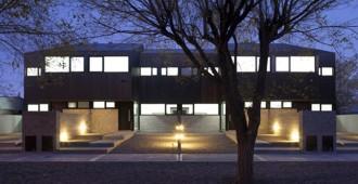 Argentina: Casas Roca, Ciudad de Las Heras, Santa Cruz - Galvez Autunno Arquitectos