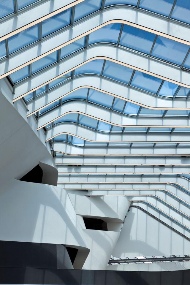Italia: Estación de trenes de alta velocidad de Nápoles - Zaha Hadid Architects