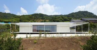 Japón: Casa en Shiraiwa - 2id Architects
