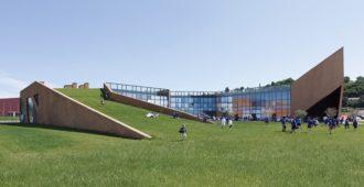 Italia: Escuela primaria en Colognola ai Colli - Claudio Lucchin & Architetti Associati