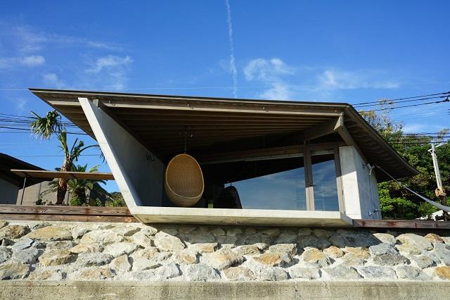 "Japón: ""DenPaku The Beachfront MIJORA"" - Atelier TEKUTO + Amami Design Firm"