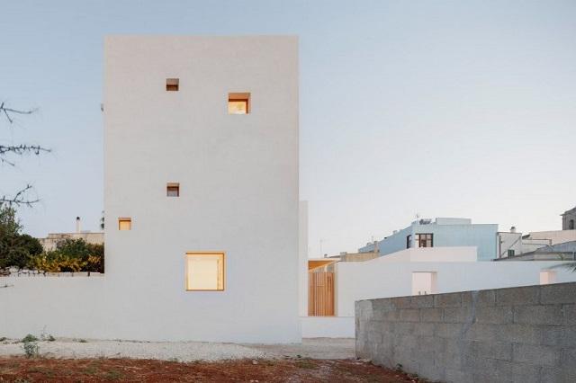 Italia: La Torre Bianca, Gagliano del Capo, Puglia - Lorenzo Grifantini, DOS Architects