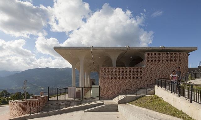 Colombia: Plaza de Mercado Gramalote - Niro Arquitectura + Rodrigo Chain