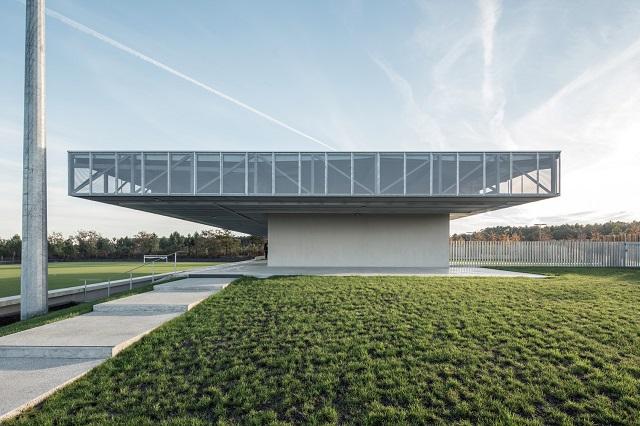Francia: Plaine des Sports - OLGGA Architectes + Atelier CAMBIUM