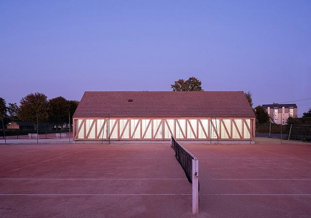 "Francia: ""Garden Tennis"" - Lemoal Lemoal Architectes"