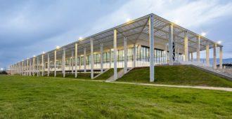 Colombia: Centro deportivo, recreativo y cultural del Parque Metropolitano El Tunal. - FP- Arquitectura