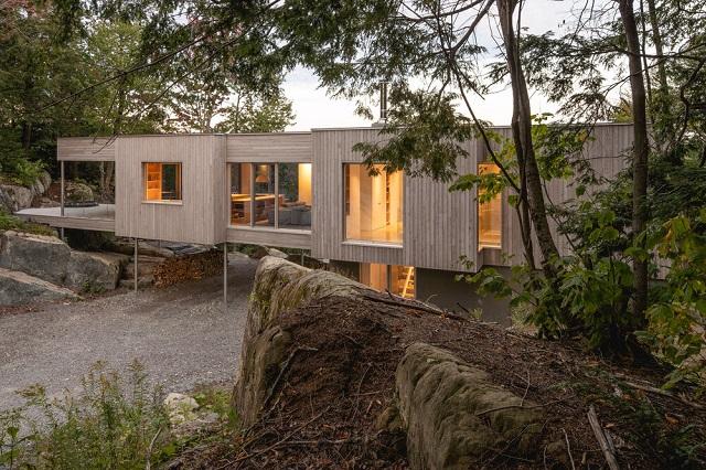 Canadá: Casa en el bosque I - Natalie Dionne Architecture