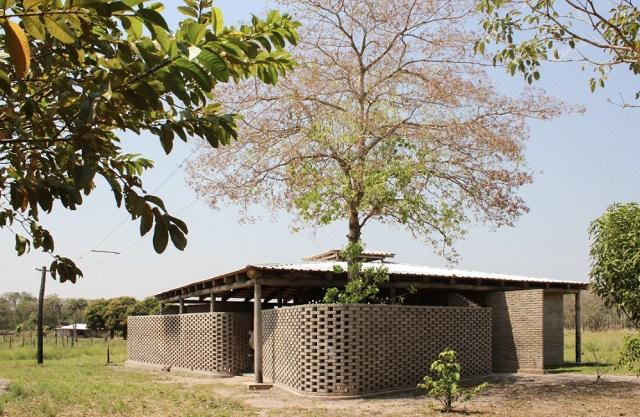 Paraguay: Casa de la Cultura Toba Qom - Estudio OCA