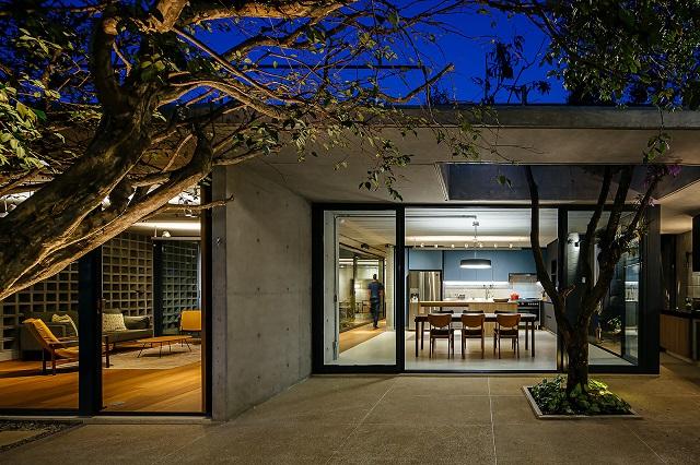 Brasil: Casa das Jabuticabeiras – Terra e Tuma Arquitetos Associados