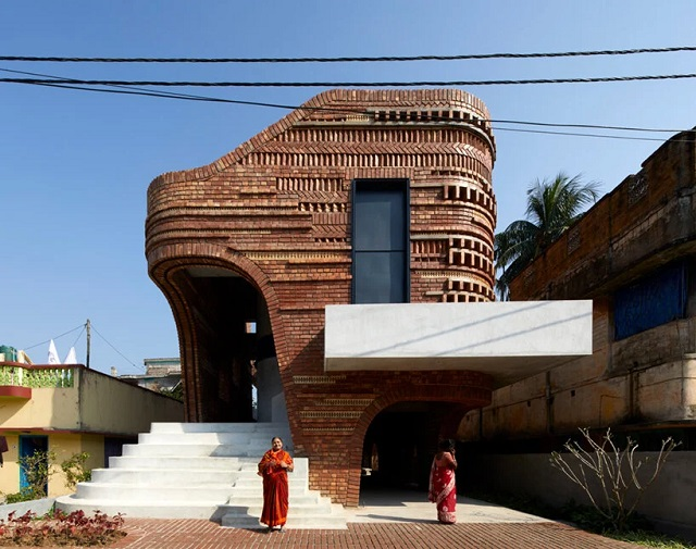 India: Gallery House - Abin Design Studio